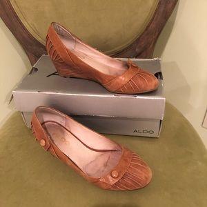 GUC Aldo Wedge Shoes